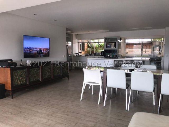 Apartamento Distrito Metropolitano>Caracas>Loma Linda - Venta:195.000 Precio Referencial - codigo: 21-21329