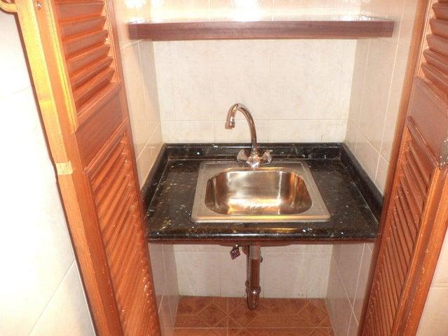 Oficina Distrito Metropolitano>Caracas>Parroquia La Candelaria - Venta:23.200 Precio Referencial - codigo: 21-21353