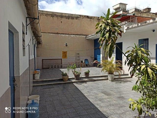 Casa Distrito Metropolitano>Caracas>Guaicaipuro - Venta:95.000 Precio Referencial - codigo: 21-21354
