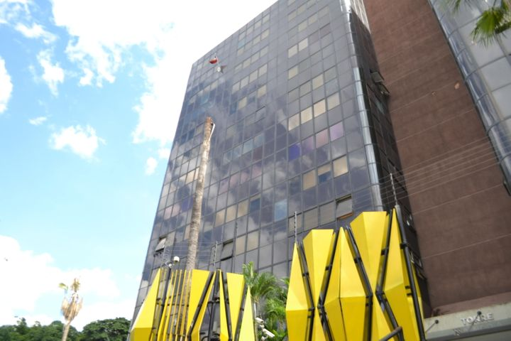 Oficina Distrito Metropolitano>Caracas>Las Mercedes - Venta:170.000 Precio Referencial - codigo: 21-21472
