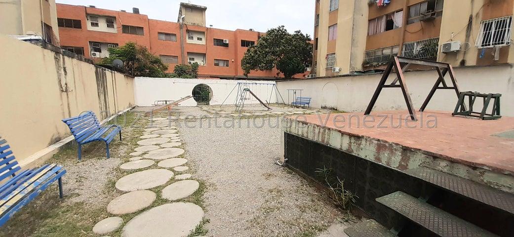 Apartamento Lara>Barquisimeto>Centro - Venta:17.000 Precio Referencial - codigo: 21-21571