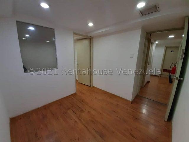 Oficina Distrito Metropolitano>Caracas>Chuao - Alquiler:525 Precio Referencial - codigo: 21-21728