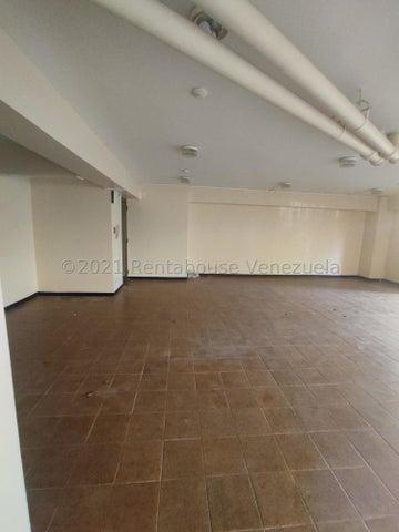 Apartamento Distrito Metropolitano>Caracas>La Urbina - Venta:30.000 Precio Referencial - codigo: 21-21712