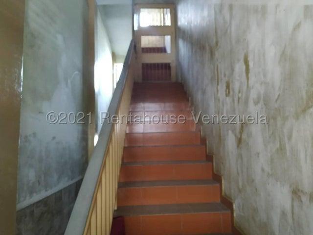 Edificio Miranda>Ocumare del Tuy>Ocumare - Venta:390.000 Precio Referencial - codigo: 21-19986