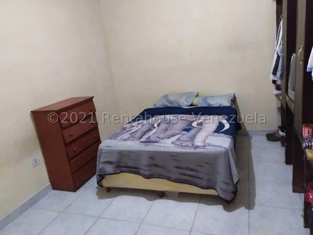 Casa Carabobo>Valencia>Parque Florida - Venta:18.000 Precio Referencial - codigo: 21-21824