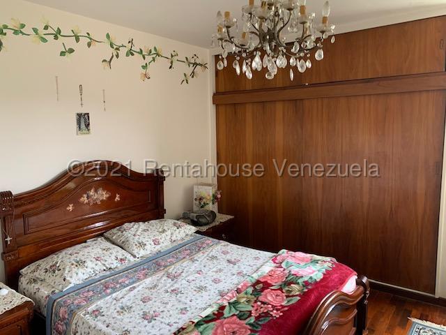 Apartamento Distrito Metropolitano>Caracas>El Cafetal - Venta:80.000 Precio Referencial - codigo: 21-21849