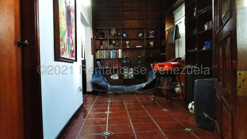 Casa Distrito Metropolitano>Caracas>Colinas de Caicaguana - Alquiler:1.500 Precio Referencial - codigo: 21-3722