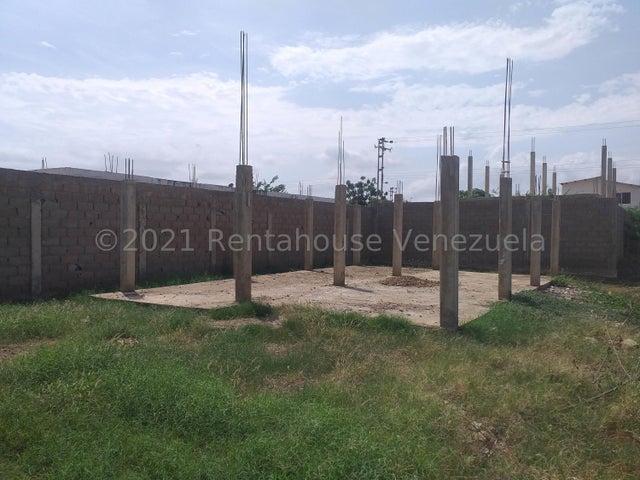 Terreno Falcon>Coro>Sector Independencia - Venta:3.000 Precio Referencial - codigo: 21-21895