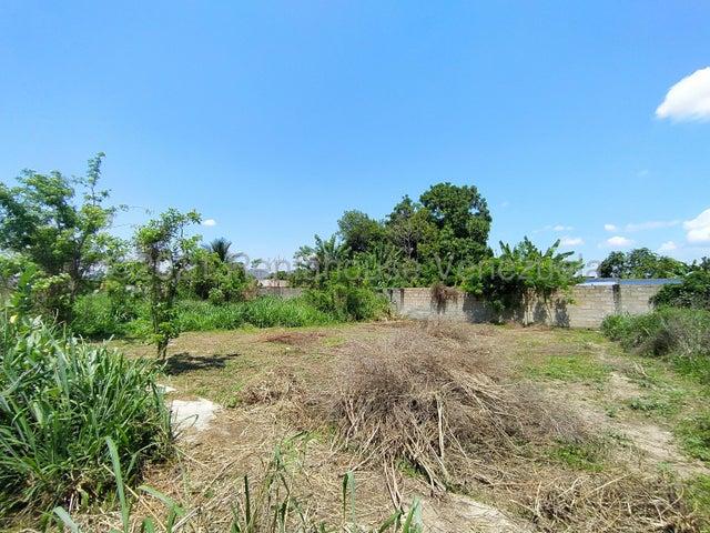 Terreno Carabobo>Municipio San Diego>Los Bachilleres - Venta:3.700 Precio Referencial - codigo: 21-21747