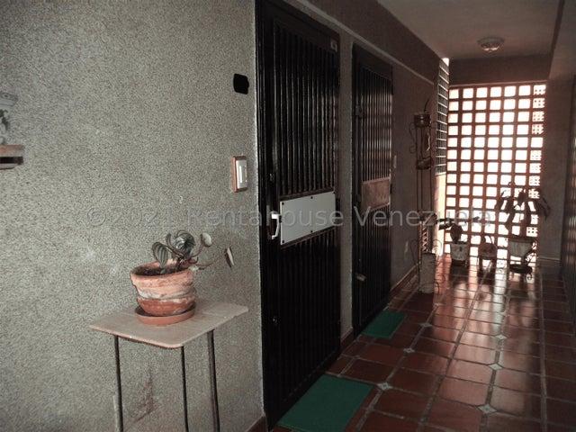 Apartamento Miranda>San Antonio de los Altos>Parque el Retiro - Venta:45.000 Precio Referencial - codigo: 21-21976