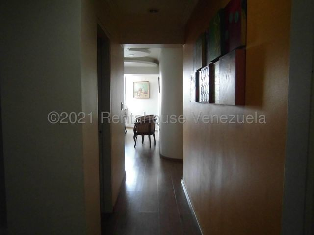 Apartamento Carabobo>Valencia>La Trigaleña - Venta:52.100 Precio Referencial - codigo: 21-22117