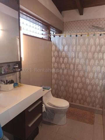 Casa Distrito Metropolitano>Caracas>El Peñon - Venta:444.500 Precio Referencial - codigo: 21-22093