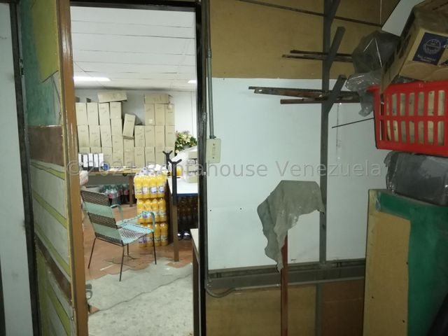 Galpon - Deposito Distrito Metropolitano>Caracas>Catia - Venta:420.000 Precio Referencial - codigo: 21-22751