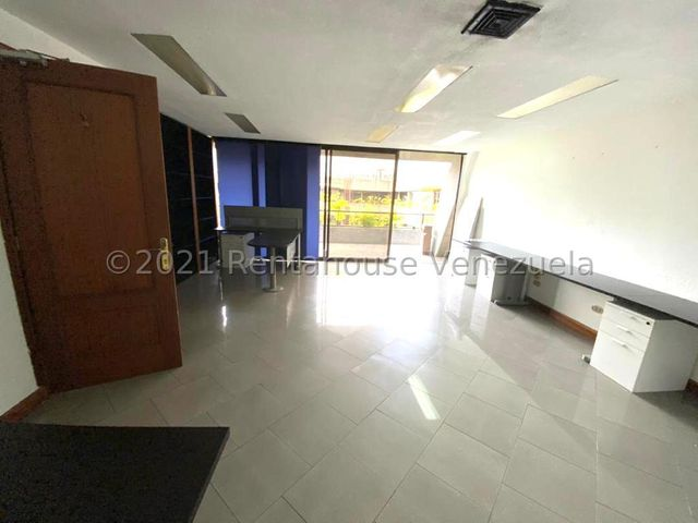 Oficina Distrito Metropolitano>Caracas>Chuao - Venta:158.000 Precio Referencial - codigo: 21-22210