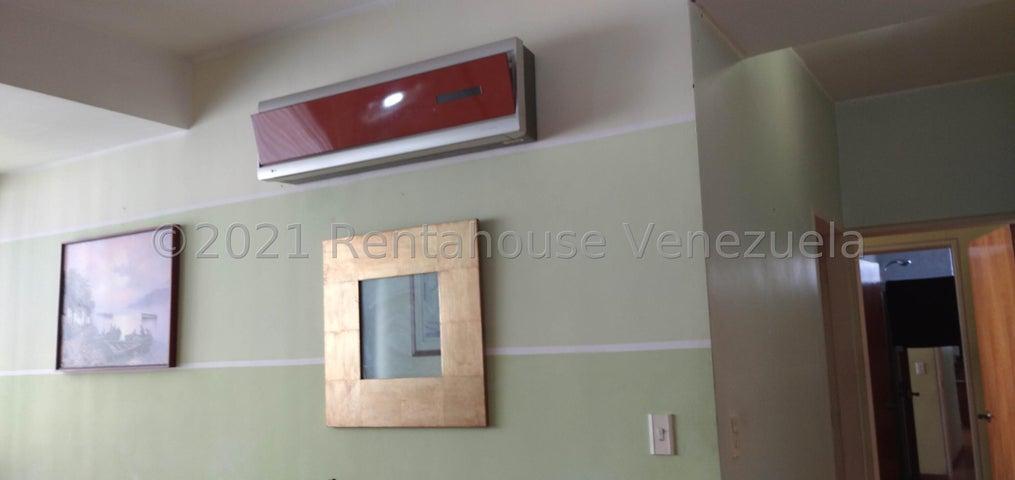 Apartamento Distrito Metropolitano>Caracas>Campo Alegre - Venta:110.000 Precio Referencial - codigo: 21-22352