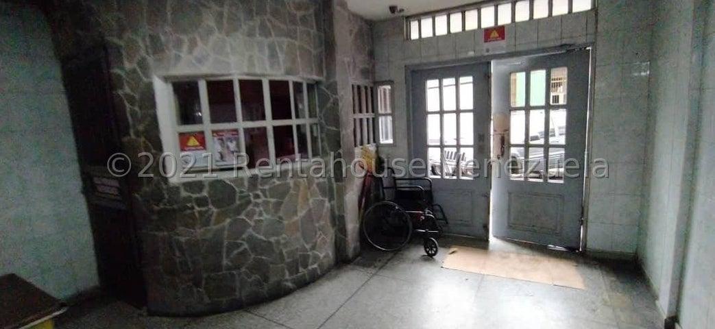 Apartamento Distrito Metropolitano>Caracas>Parroquia La Candelaria - Venta:30.000 Precio Referencial - codigo: 21-22577