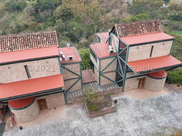 Casa Distrito Metropolitano>Caracas>Los Guayabitos - Venta:980.000 Precio Referencial - codigo: 21-22582