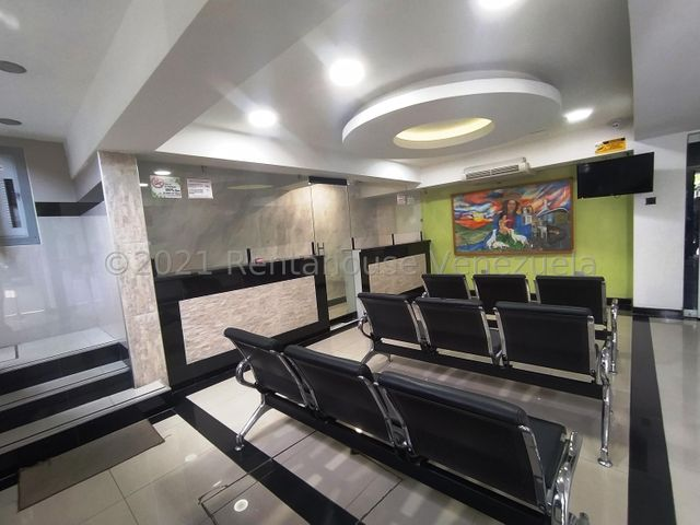 Consultorio Medico  Lara>Barquisimeto>Nueva Segovia - Alquiler:200 Precio Referencial - codigo: 21-22651