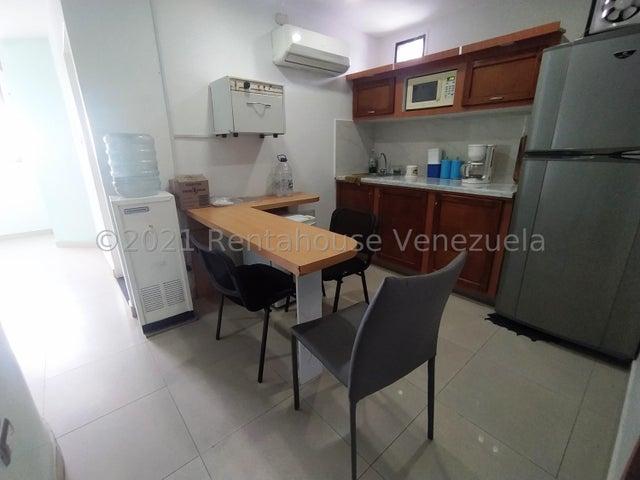 Consultorio Medico  Lara>Barquisimeto>Nueva Segovia - Alquiler:200 Precio Referencial - codigo: 21-22653