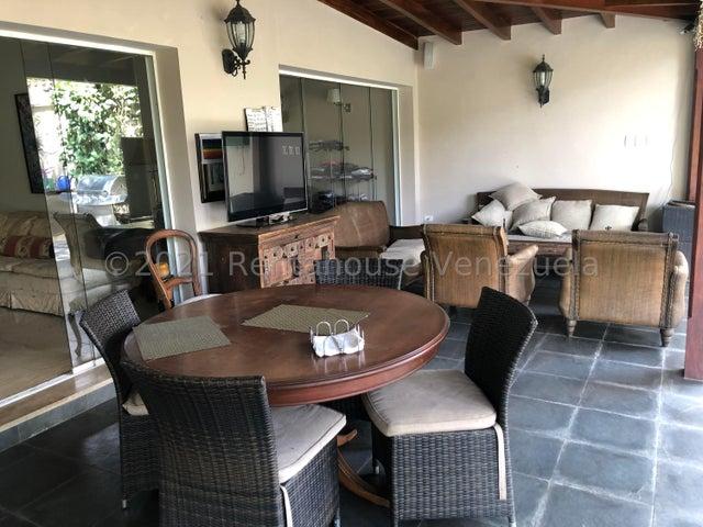 Casa Distrito Metropolitano>Caracas>Prados del Este - Venta:390.000 Precio Referencial - codigo: 21-22454