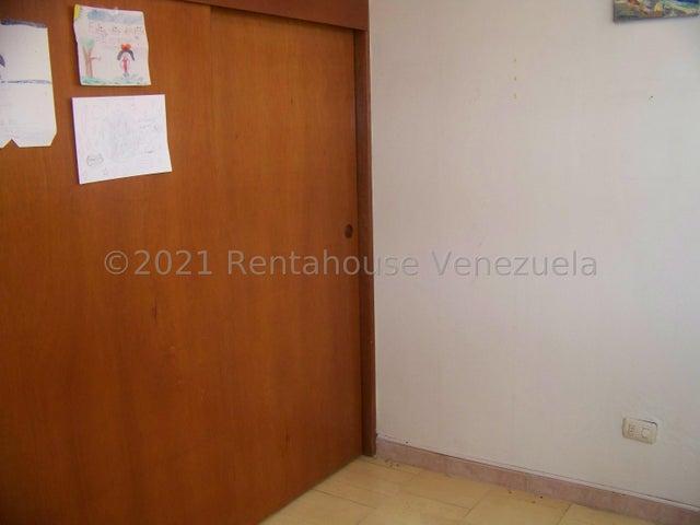 Apartamento Miranda>Guarenas>Nueva Casarapa - Venta:13.500 Precio Referencial - codigo: 21-22498