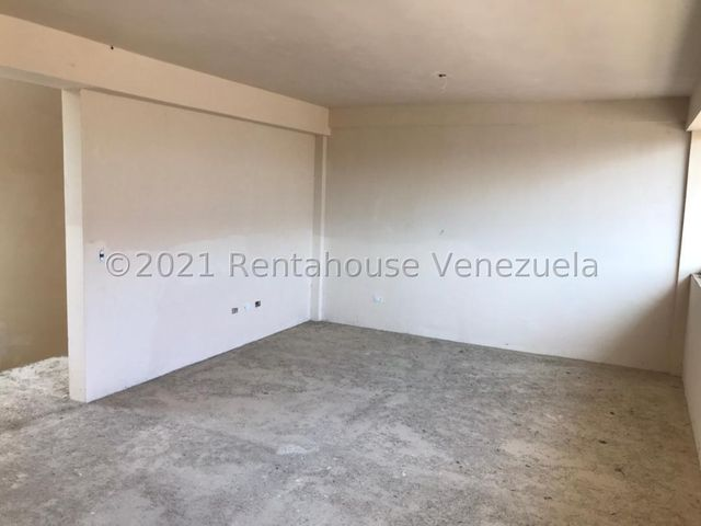 Townhouse Carabobo>Municipio Naguanagua>Manongo - Venta:110.000 Precio Referencial - codigo: 21-22608