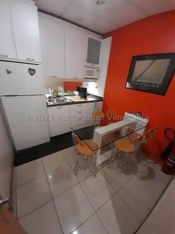 Oficina Distrito Metropolitano>Caracas>Los Palos Grandes - Venta:160.550 Precio Referencial - codigo: 21-22581