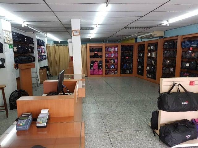 Local Comercial Merida>El Vigia>Los Parques - Venta:225.000 Precio Referencial - codigo: 21-22584