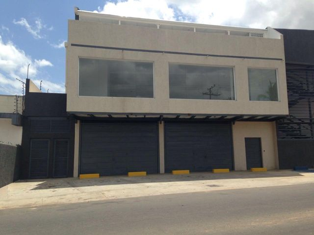 Local Comercial Bolivar>Ciudad Bolivar>Paseo Heres - Alquiler:250 Precio Referencial - codigo: 21-22593