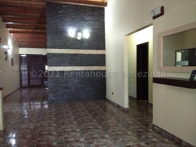 Casa Carabobo>Municipio San Diego>La Cumaca - Venta:47.000 Precio Referencial - codigo: 21-22618