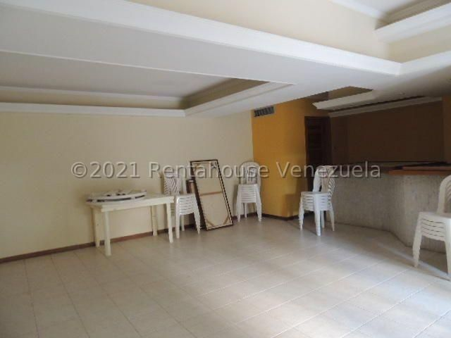 Apartamento Zulia>Maracaibo>La Lago - Venta:52.000 Precio Referencial - codigo: 21-22630