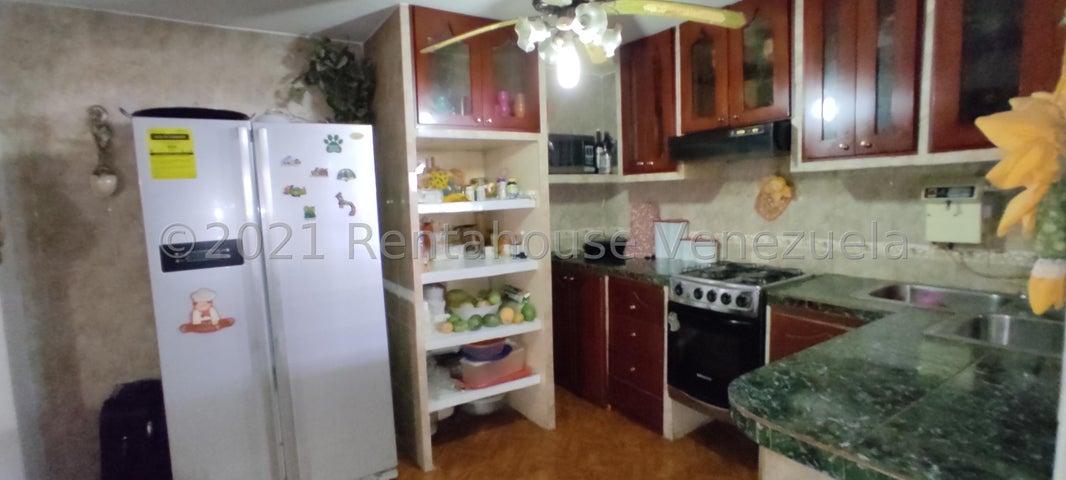 Casa Aragua>Maracay>Santa Rita - Venta:35.000 Precio Referencial - codigo: 21-22647