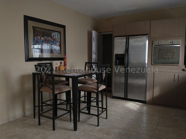 Casa Falcon>Punto Fijo>Guanadito - Venta:15.000 Precio Referencial - codigo: 21-22629