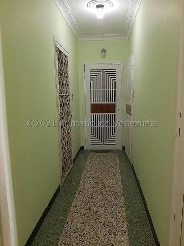 Apartamento Distrito Metropolitano>Caracas>La Carlota - Venta:37.000 Precio Referencial - codigo: 21-1442