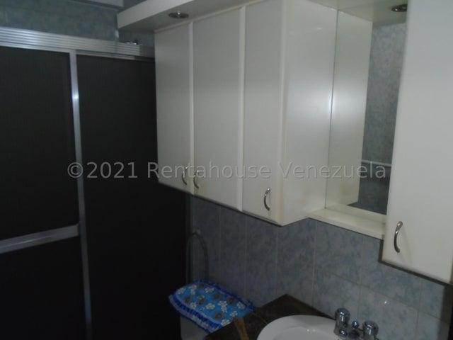 Apartamento Miranda>San Antonio de los Altos>Las Minas - Venta:85.000 Precio Referencial - codigo: 21-22957
