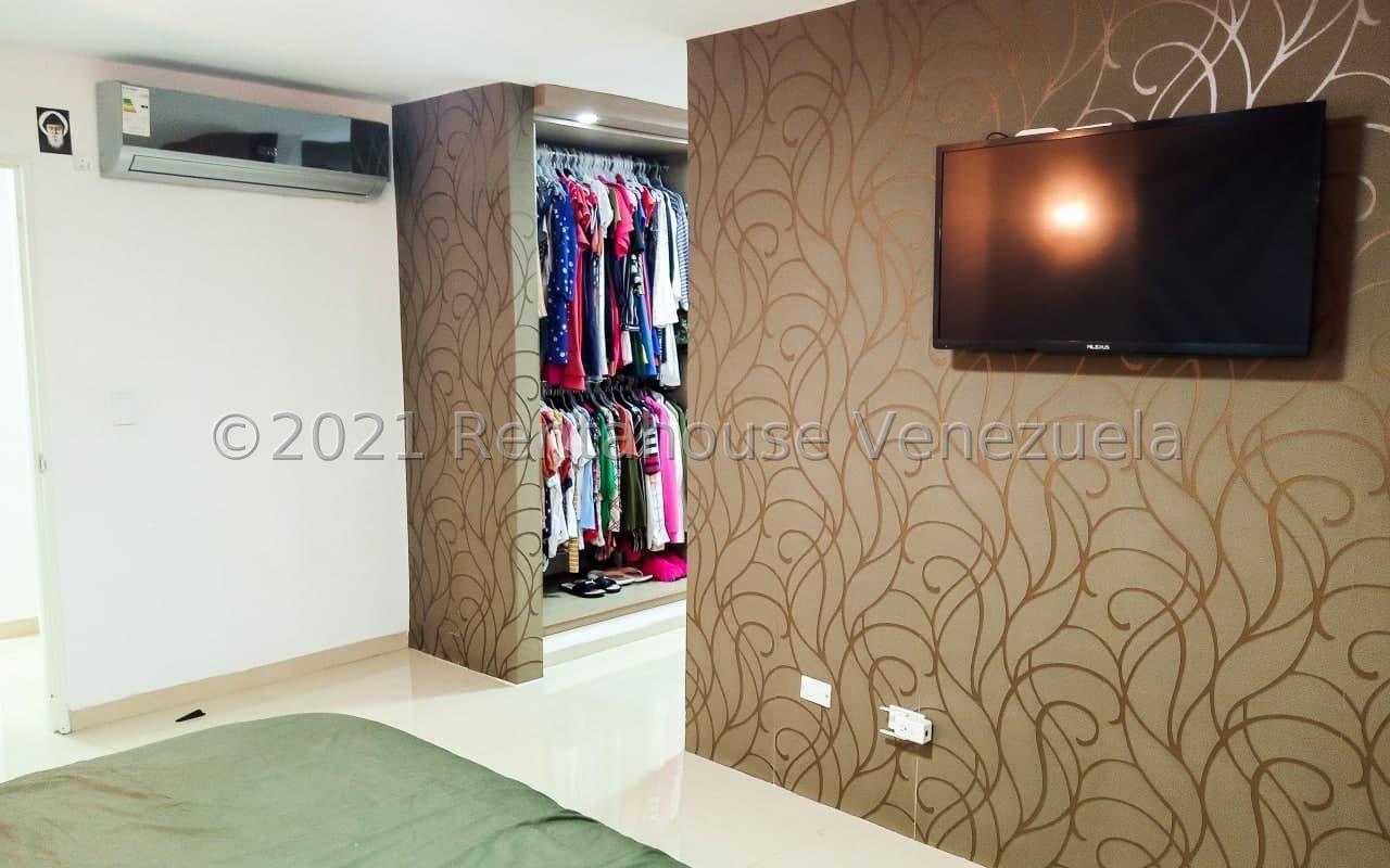 Apartamento Miranda>Los Teques>Los Teques - Venta:98.000 Precio Referencial - codigo: 21-22989