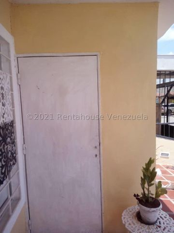 Casa Lara>Barquisimeto>Hacienda Yucatan - Venta:14.500 Precio Referencial - codigo: 21-23057