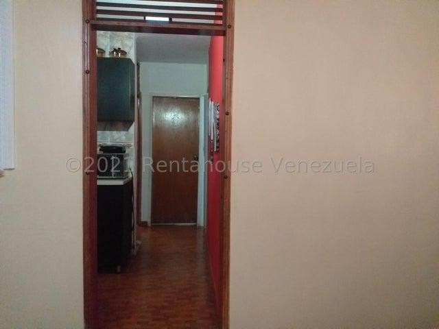 Apartamento Falcon>Coro>La Velita - Venta:8.500 Precio Referencial - codigo: 21-23070