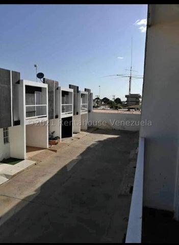 Townhouse Zulia>Municipio San Francisco>La Coromoto - Venta:16.000 Precio Referencial - codigo: 21-23101