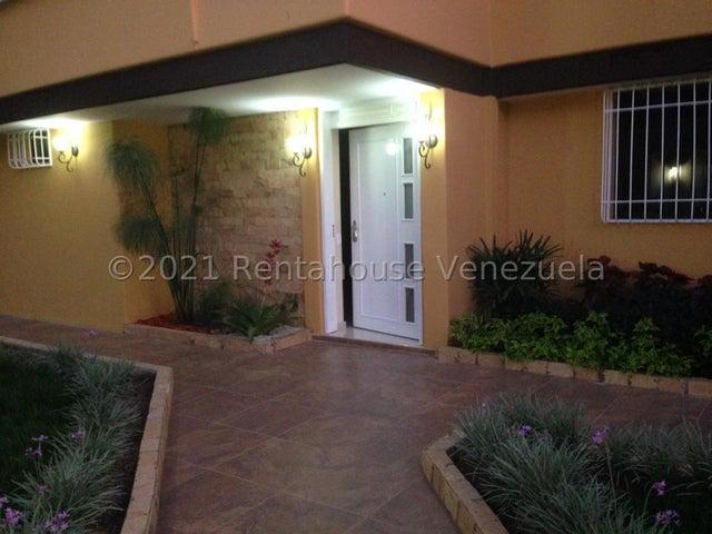 Casa Distrito Metropolitano>Caracas>El Marques - Venta:380.000 Precio Referencial - codigo: 21-23104