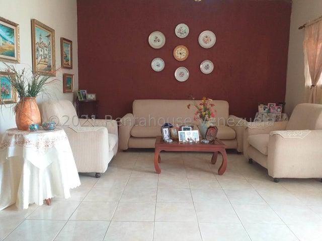 Casa Falcon>Punto Fijo>Puerta Maraven - Venta:13.000 Precio Referencial - codigo: 21-23118