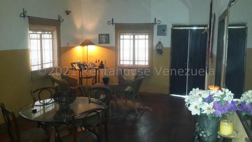 Terreno Carabobo>Municipio Libertador>Sabana del Medio - Venta:45.000 Precio Referencial - codigo: 21-23199