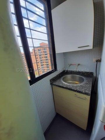 Apartamento Distrito Metropolitano>Caracas>Colinas de La Tahona - Venta:63.000 Precio Referencial - codigo: 21-23212
