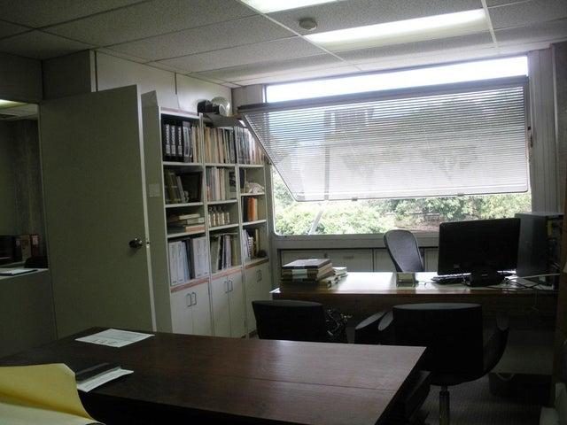 Oficina Distrito Metropolitano>Caracas>Santa Paula - Venta:50.000 Precio Referencial - codigo: 21-23224
