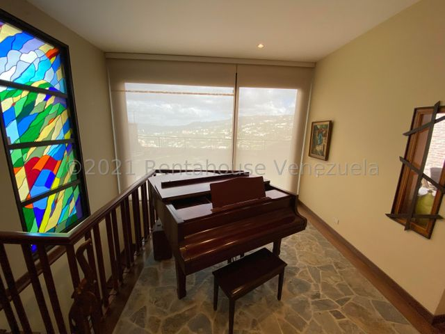 Casa Distrito Metropolitano>Caracas>Colinas del Tamanaco - Venta:880.000 Precio Referencial - codigo: 21-23231