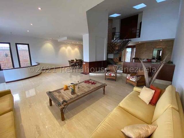 Casa Distrito Metropolitano>Caracas>Colinas del Tamanaco - Venta:880.000 Precio Referencial - codigo: 21-23280