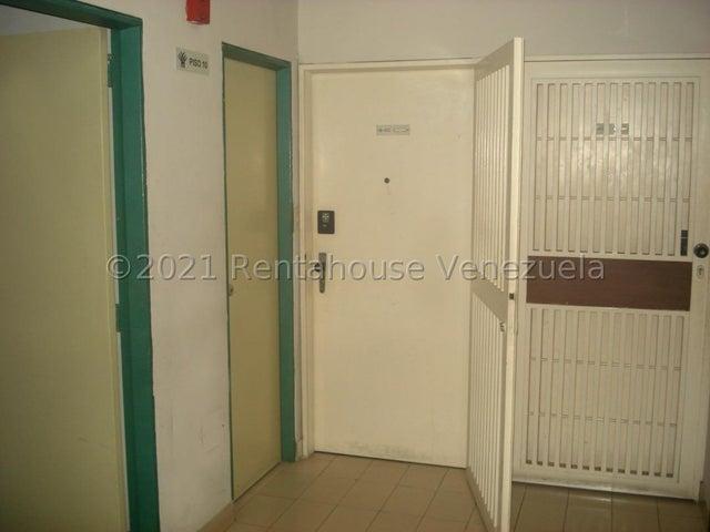Apartamento Distrito Metropolitano>Caracas>Los Dos Caminos - Venta:40.000 Precio Referencial - codigo: 21-22591