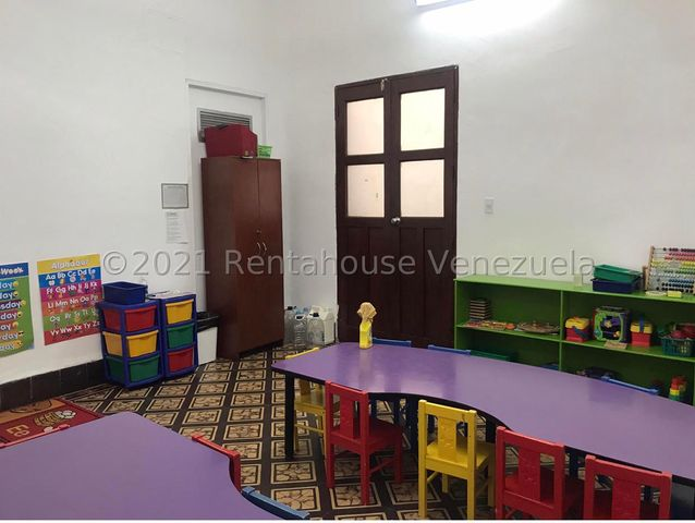 Casa Zulia>Maracaibo>La Lago - Venta:50.000 Precio Referencial - codigo: 21-23297