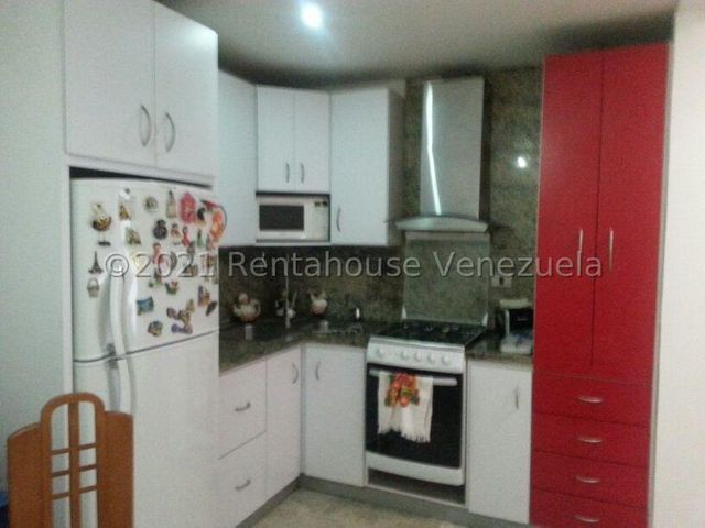 Casa Distrito Metropolitano>Caracas>La Floresta - Venta:650.000 Precio Referencial - codigo: 21-23362