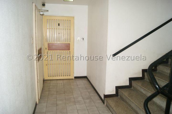 Apartamento Distrito Metropolitano>Caracas>Sabana Grande - Venta:19.000 Precio Referencial - codigo: 21-23386